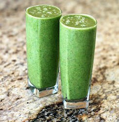 Delicious Breakfast Banana Green Smoothie