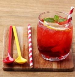Raspberry Mint Lemonade Morning Detox Drink