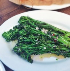 Crispy Garlic Detox Broccolini