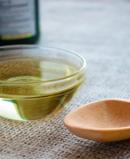 4 Incredible MCT Oil Benefits and How to Choose the Best Quality