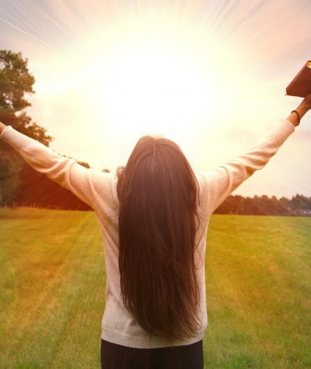 5 Powerful Verses of Hope and Health for the Summer