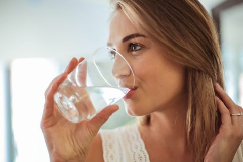 10 Ways to Drink Enough Water During the Next 6 Weeks